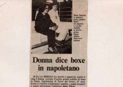 Donna dice boxe in napoletano